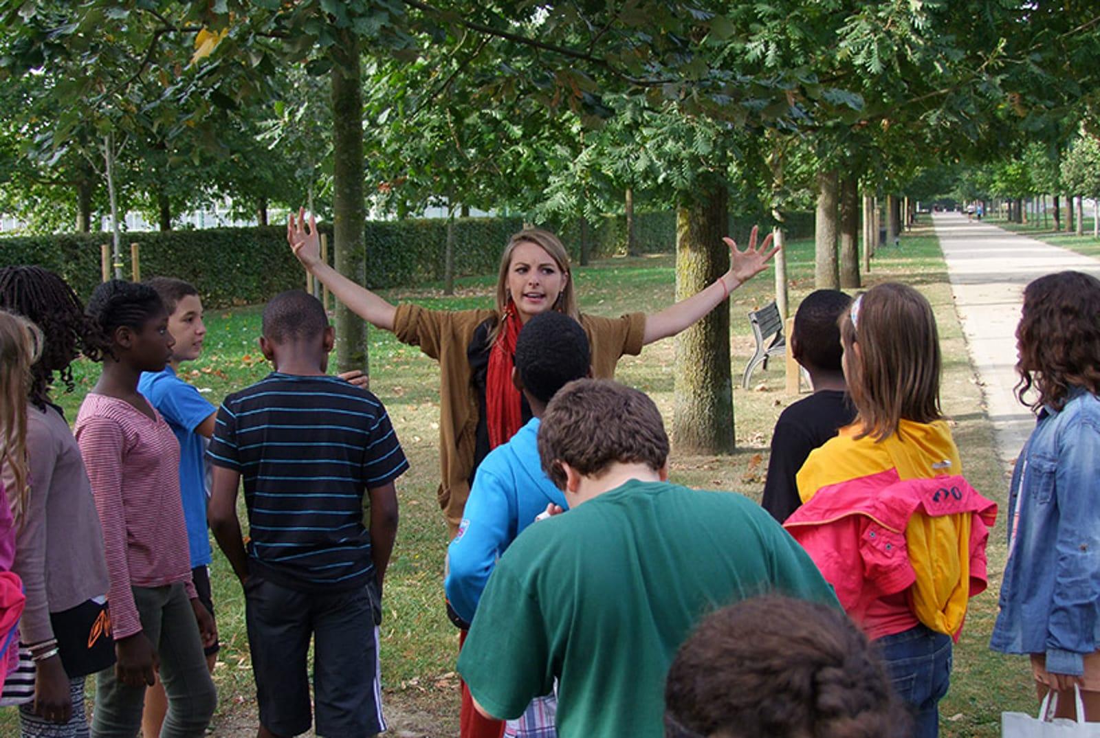 Visite parc des lilas les enfants du patrimoine un jardn dans ma main CAUE 94®Hermeline carpentie